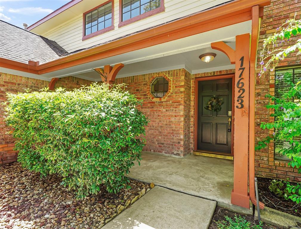 Pending | 17623 Masonridge  Drive Houston, TX 77095 3