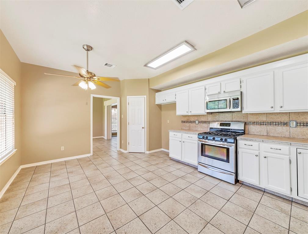 Pending | 17623 Masonridge  Drive Houston, TX 77095 32