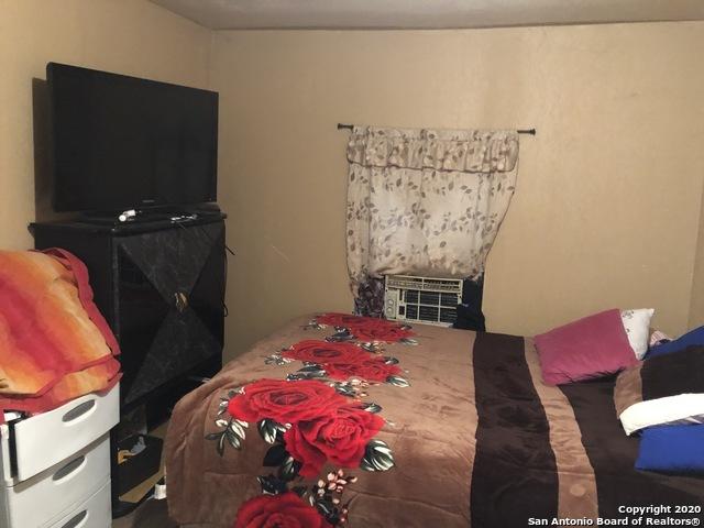Active | 940 DELGADO ST San Antonio, TX 78207 3