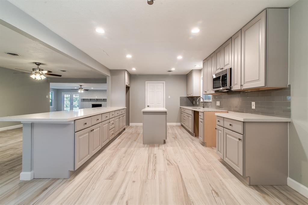 Option Pending | 7713 Valley View Lane Houston, Texas 77074 1