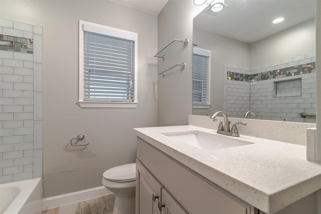 Option Pending | 7713 Valley View Lane Houston, Texas 77074 15