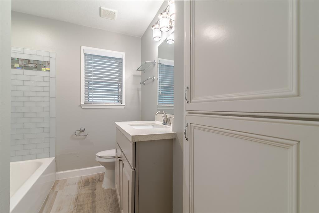 Option Pending | 7713 Valley View Lane Houston, Texas 77074 17