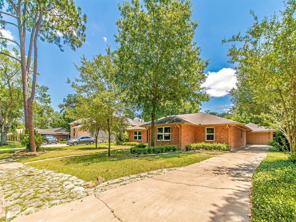 Option Pending | 7713 Valley View Lane Houston, Texas 77074 24