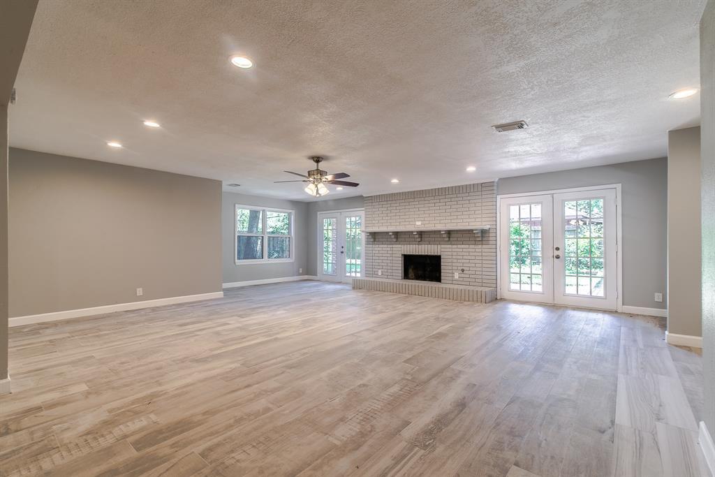 Option Pending | 7713 Valley View Lane Houston, Texas 77074 4