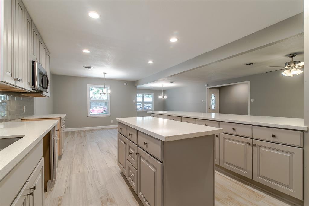 Option Pending | 7713 Valley View Lane Houston, Texas 77074 8