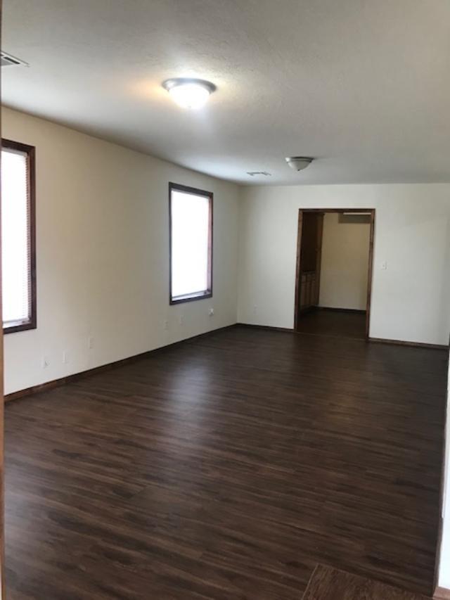 Active | 421 N Pine Ponca City, OK 74601 6