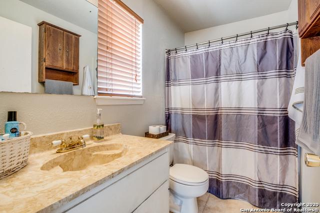 Active Option | 323 W Southcross Blvd San Antonio, TX 78221 15