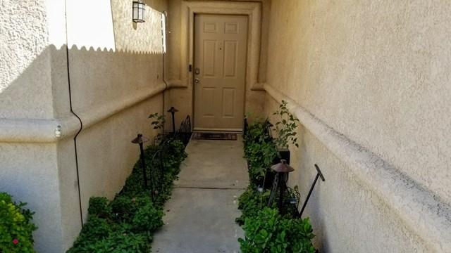Pending | 51336 Avenida Herrera La Quinta, CA 92253 11