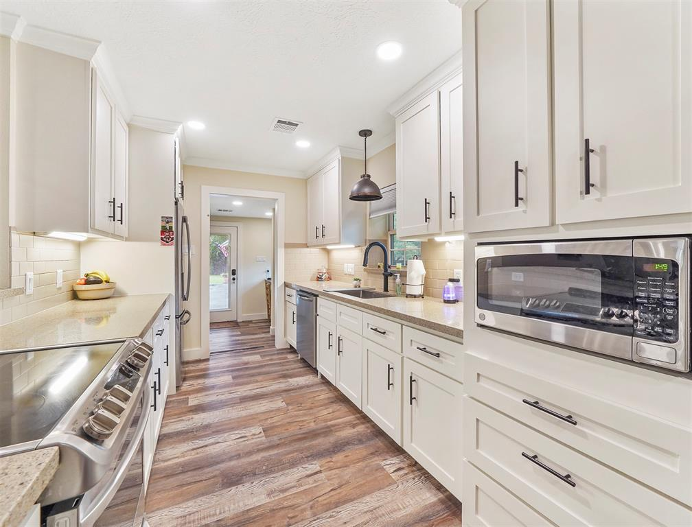 Option Pending | 13519 Zion  Road Tomball, TX 77375 8