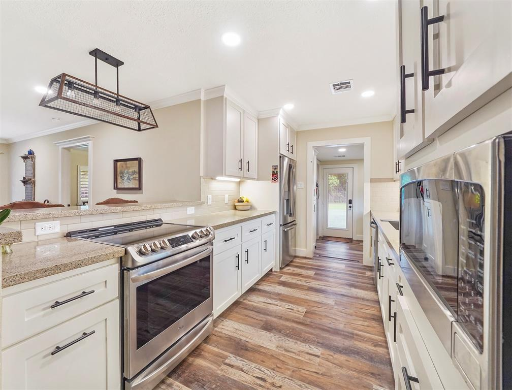 Option Pending | 13519 Zion  Road Tomball, TX 77375 9