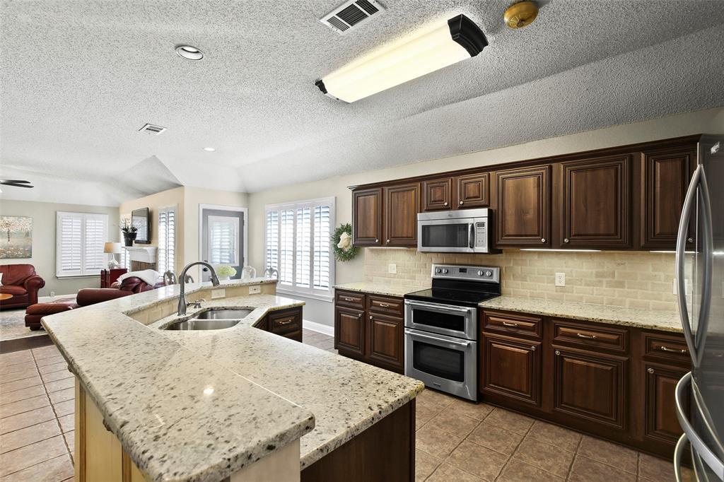 DFW Real Estate   101 Worchester Lane Allen, Texas 75002 12