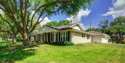 Off Market | 10902 Chevy Chase Drive Houston, Texas 77042 2