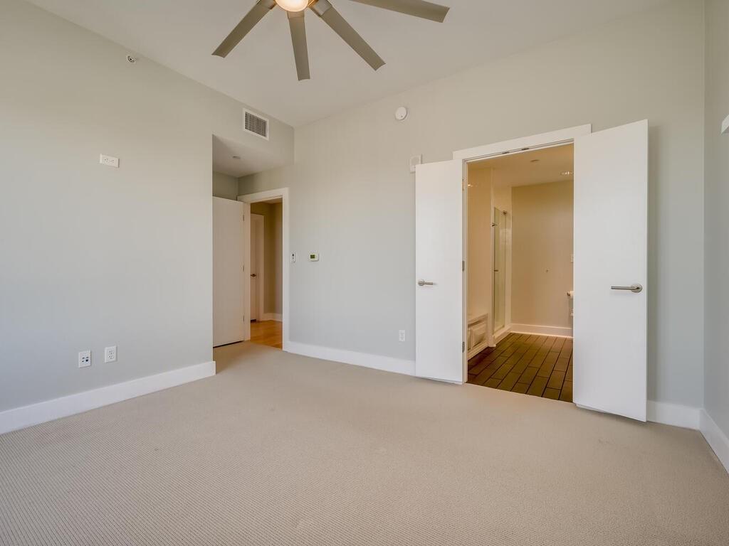 Active | 603 Davis  Street Austin, TX 78701 14