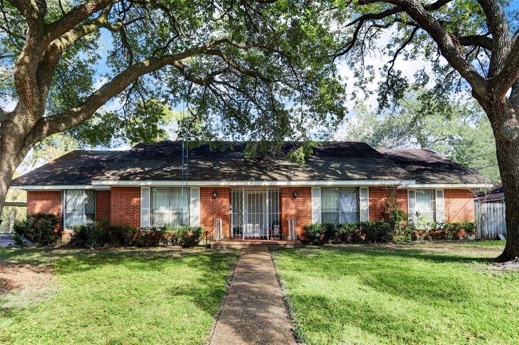 Off Market | 8014 Glenforest  Houston, Texas 77061 0
