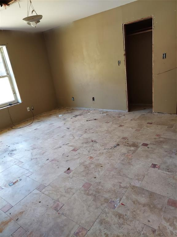 Pending | 1445 Allen  Street Hempstead, TX 77445 15