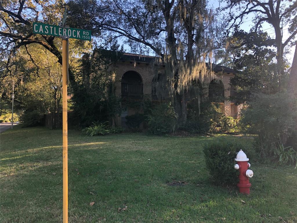 Pending | 1403 Castlerock  Drive Houston, TX 77090 2