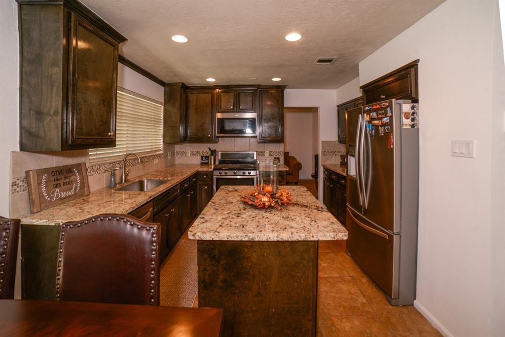 Off Market   6914 Trimstone  Drive Pasadena, TX 77505 12
