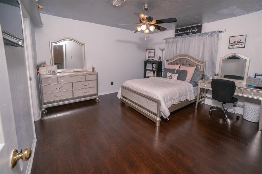 Off Market   6914 Trimstone  Drive Pasadena, TX 77505 39