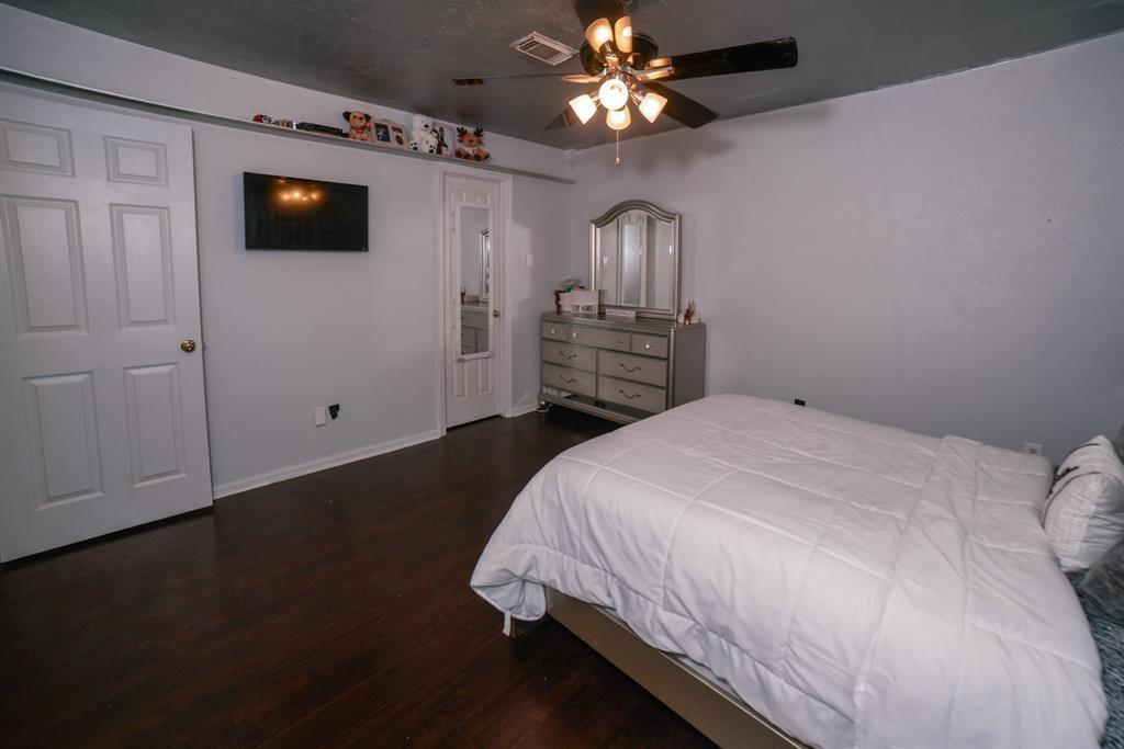 Off Market   6914 Trimstone  Drive Pasadena, TX 77505 41
