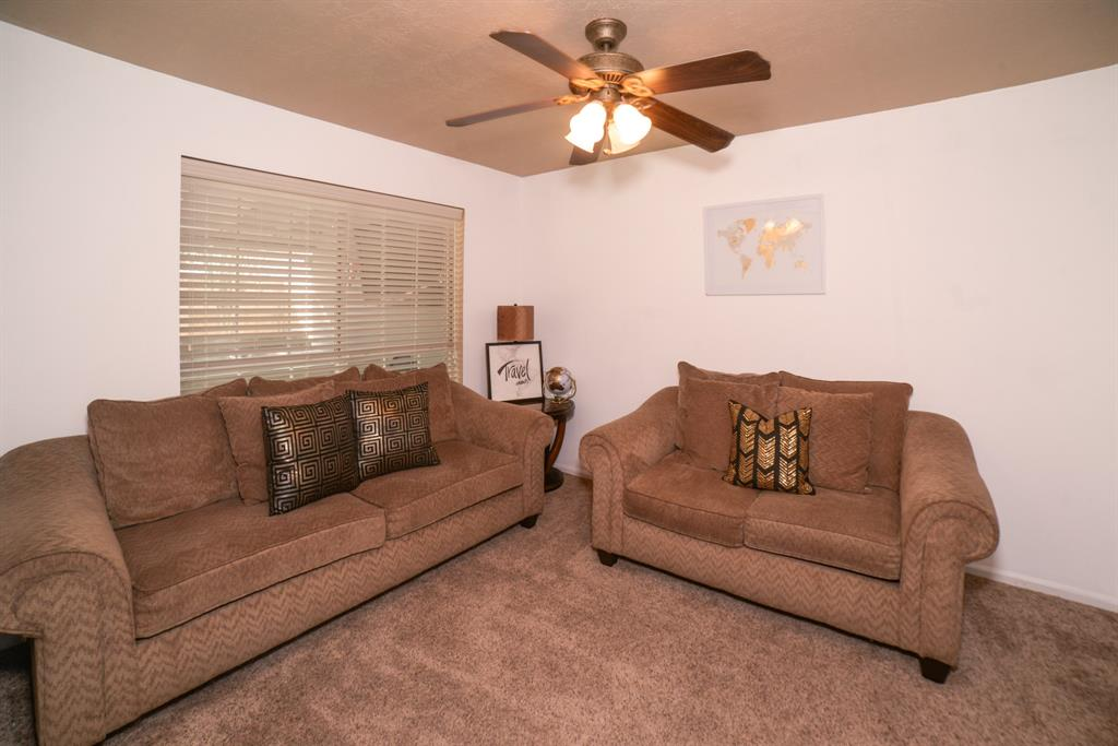 Off Market   6914 Trimstone  Drive Pasadena, TX 77505 9