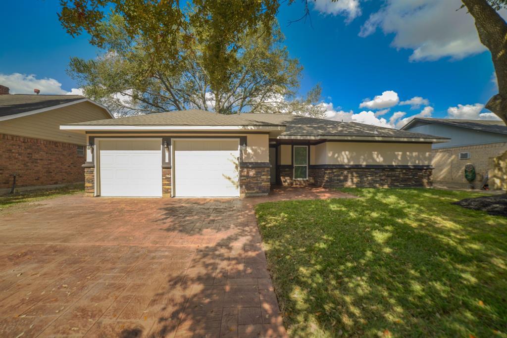 Option Pending | 5915 N Meadow Court Pasadena, Texas 77505 1