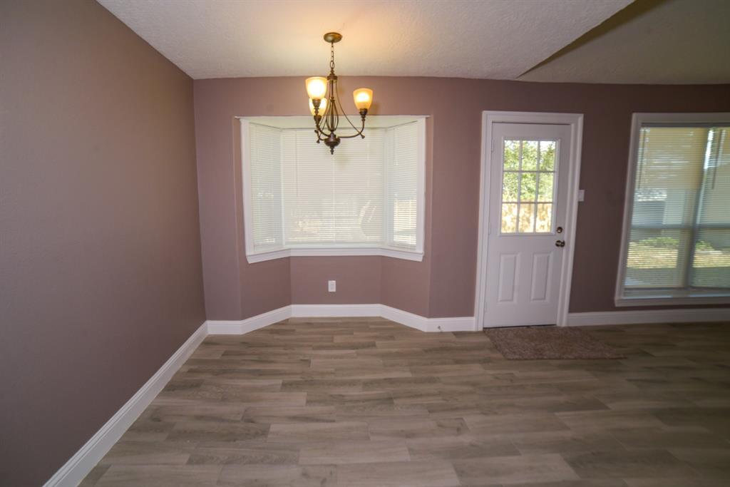 Option Pending | 5915 N Meadow Court Pasadena, Texas 77505 3