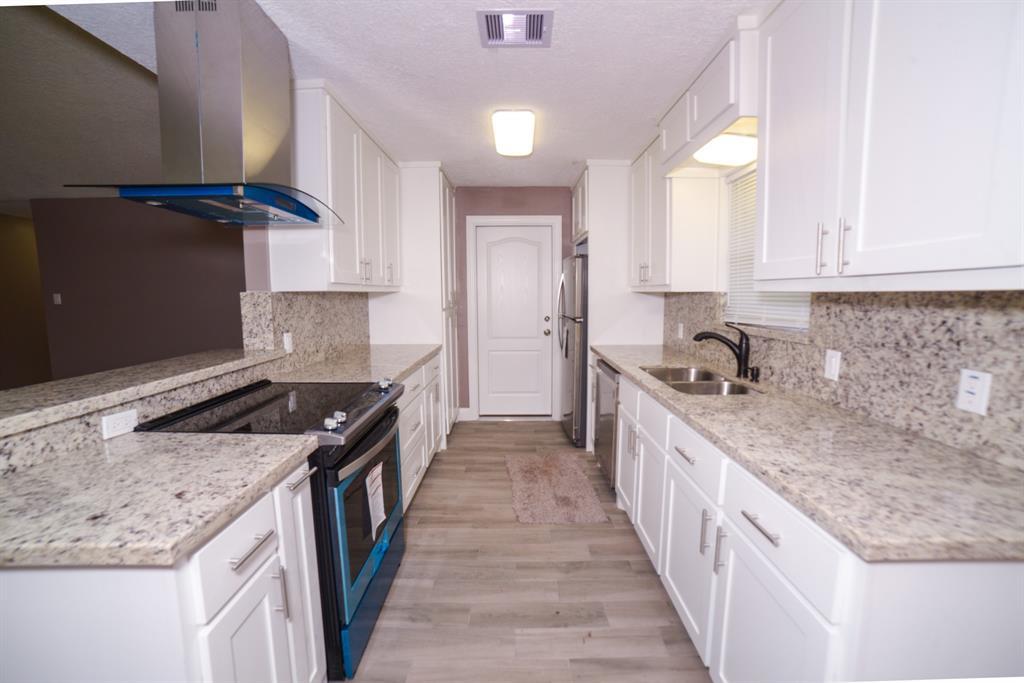 Option Pending | 5915 N Meadow Court Pasadena, Texas 77505 4