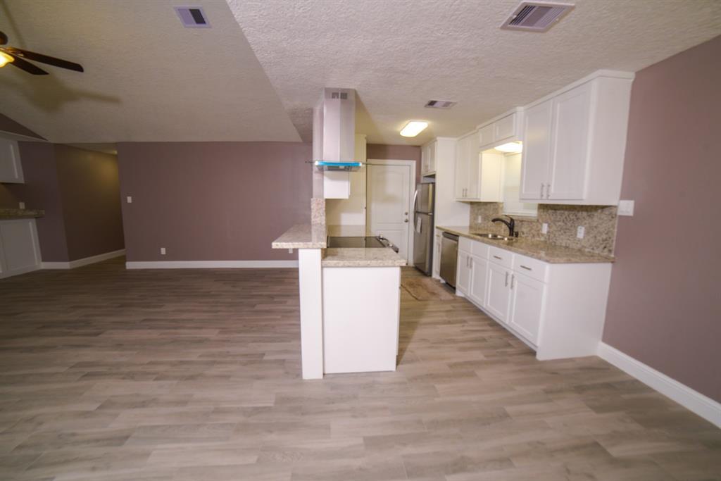 Option Pending | 5915 N Meadow Court Pasadena, Texas 77505 7