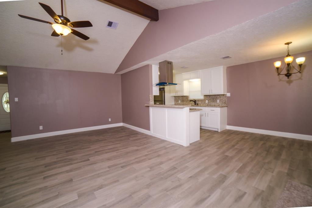 Option Pending | 5915 N Meadow Court Pasadena, Texas 77505 8