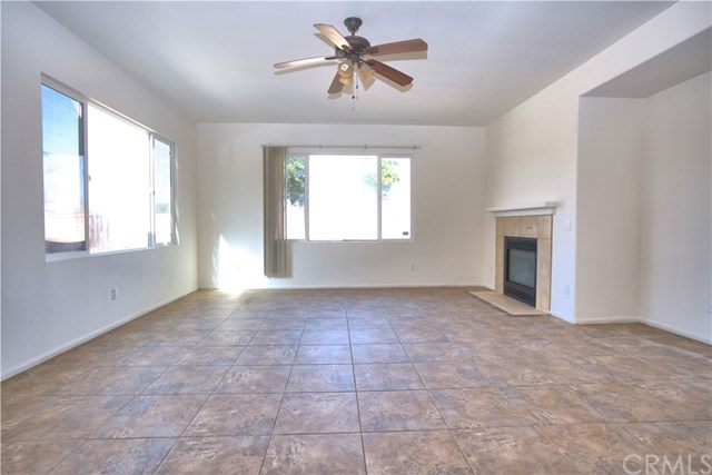 Closed   2921 CHERRY LAUREL Lane San Jacinto, CA 92582 8