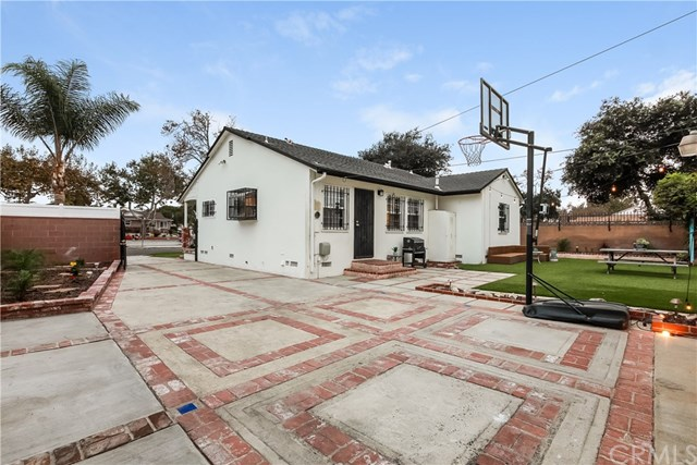 Closed | 21806 Anza Avenue Torrance, CA 90503 6