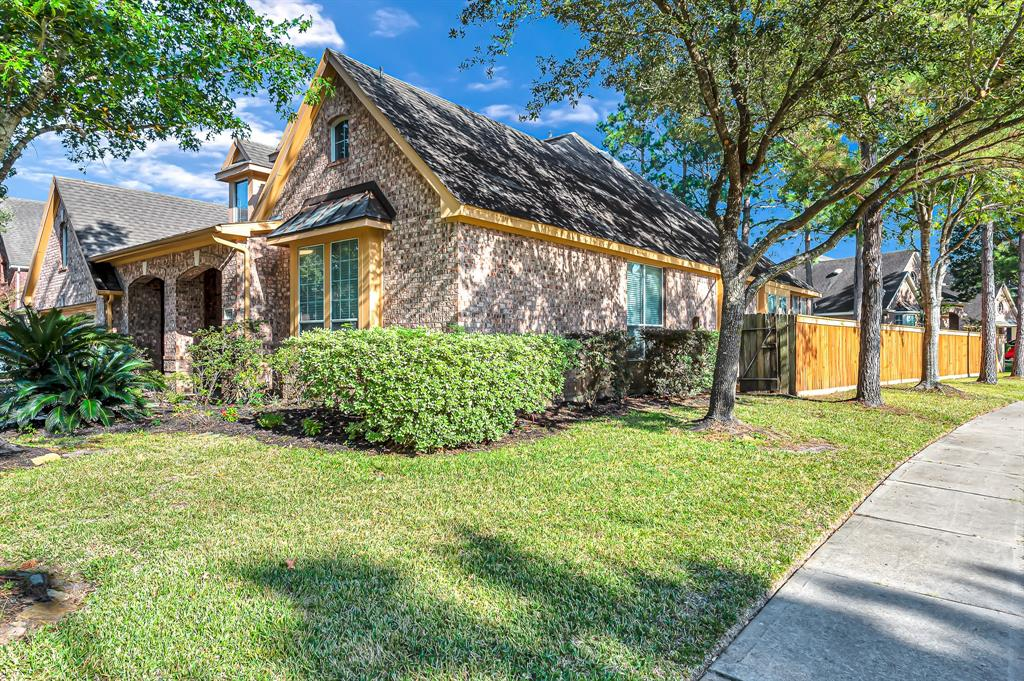 Option Pending | 2731 Shannon Forest  Court Katy, TX 77494 3