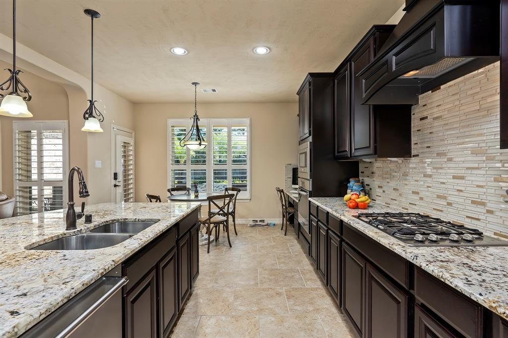Pending Continue to Show | 142 Hearthshire  Circle Magnolia, TX 77354 15