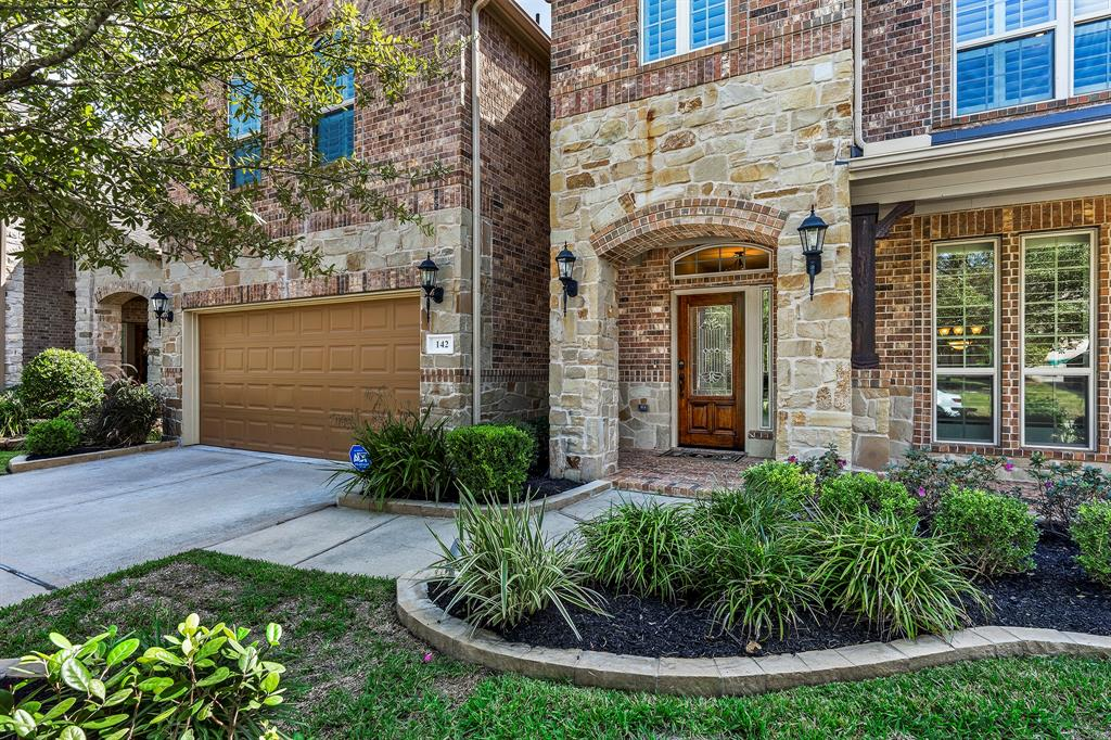 Pending Continue to Show | 142 Hearthshire  Circle Magnolia, TX 77354 2