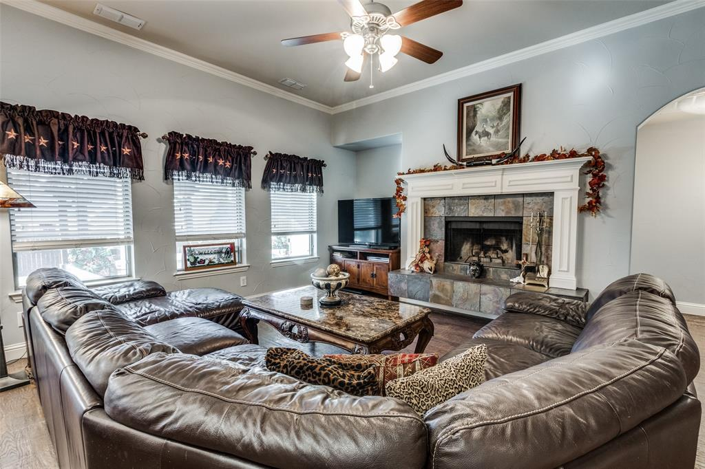 Sold Property | 2717 Clarendon  Drive Denton, TX 76207 6