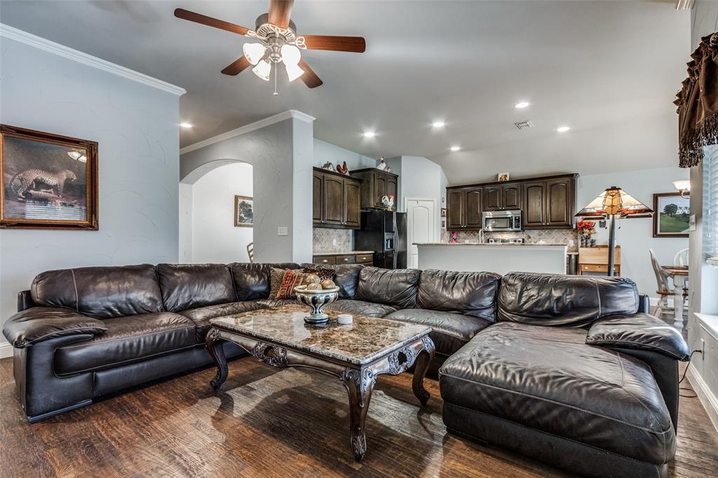 Sold Property | 2717 Clarendon  Drive Denton, TX 76207 8