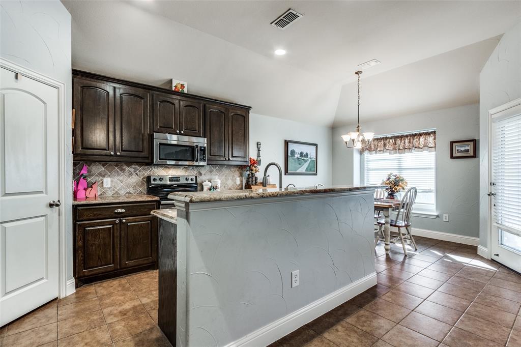 Sold Property | 2717 Clarendon Drive Denton, Texas 76207 9