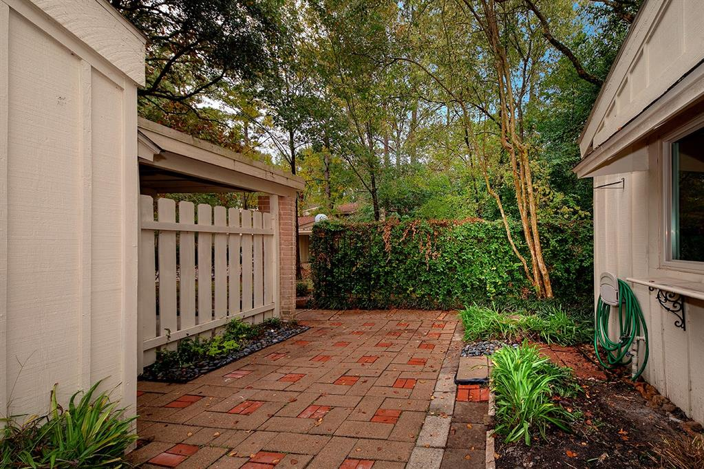Active   2123 E Settlers Way The Woodlands, Texas 77380 4