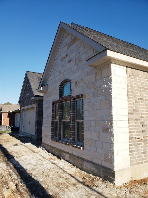 Pending | 16435 Rudder Crosby, Texas 77532 5