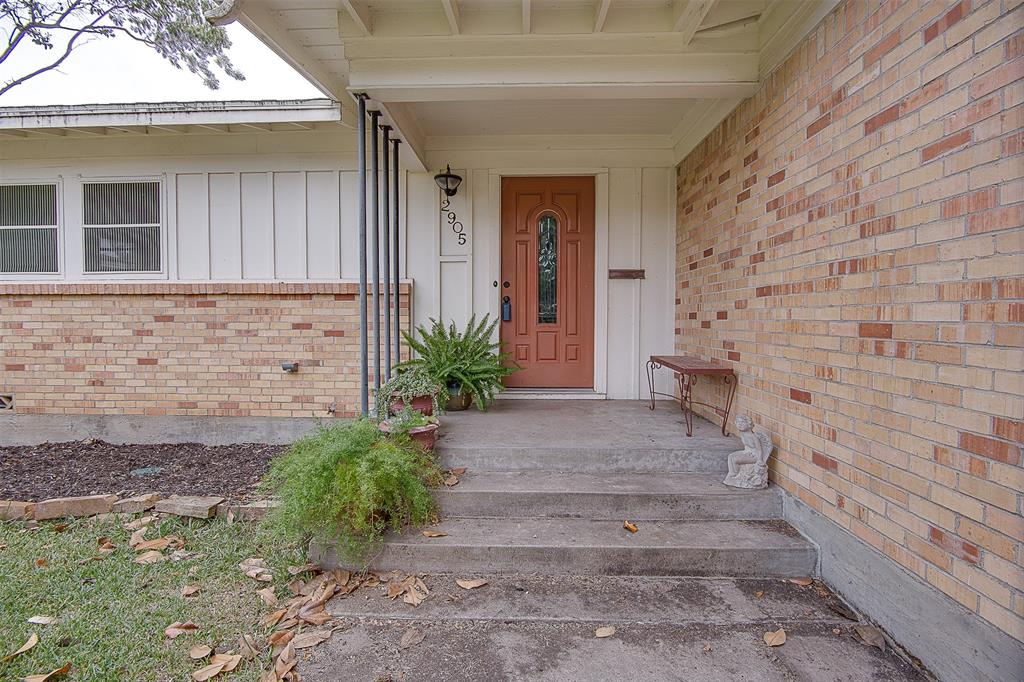 Active | 2905 Ryan Place Fort Worth, TX 76110 1