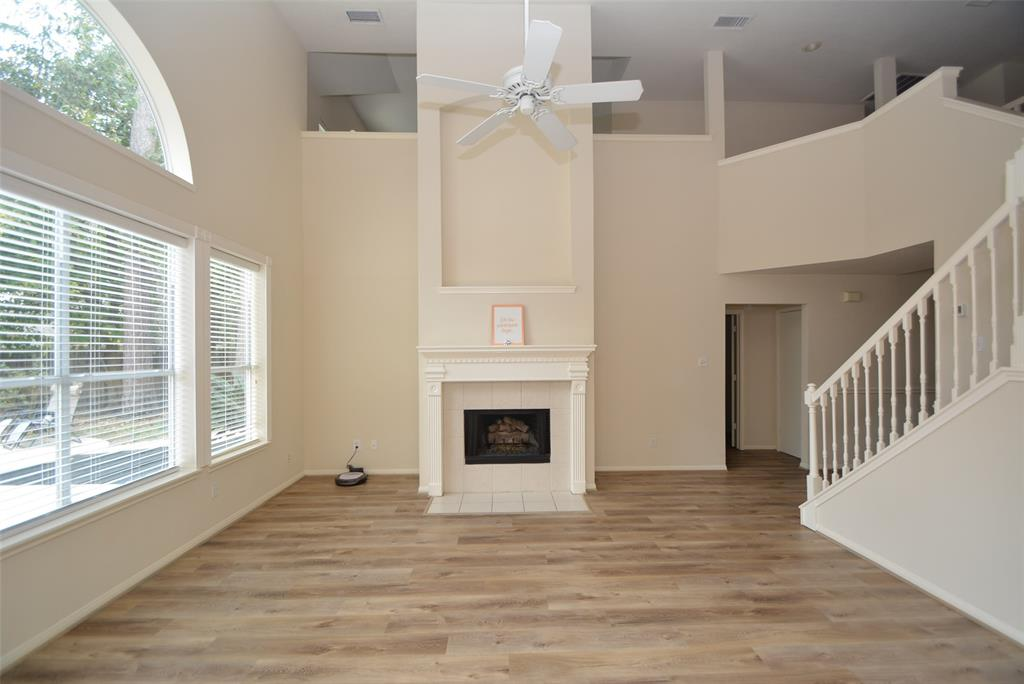 Active | 58 N Brooksedge  Circle The Woodlands, TX 77382 1