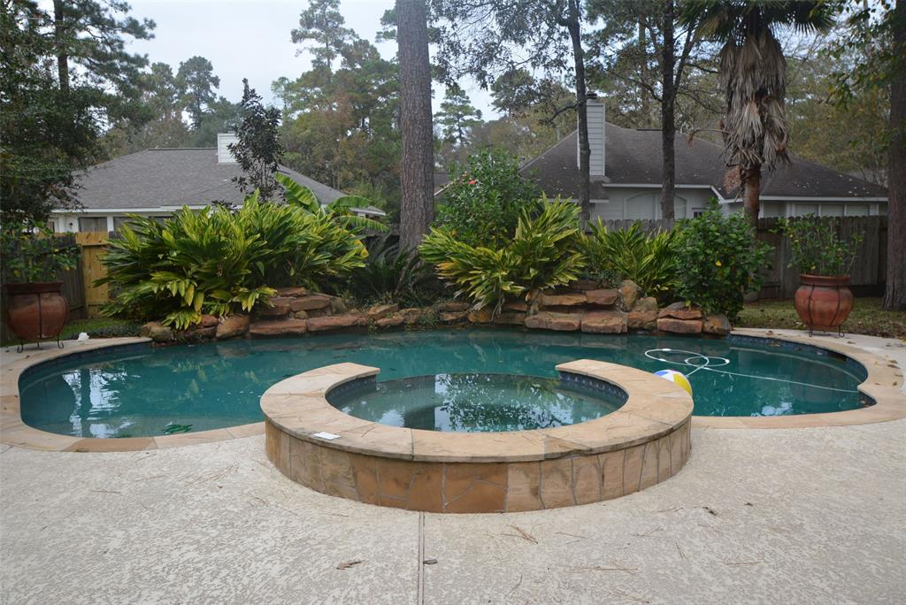 Active | 58 N Brooksedge  Circle The Woodlands, TX 77382 2