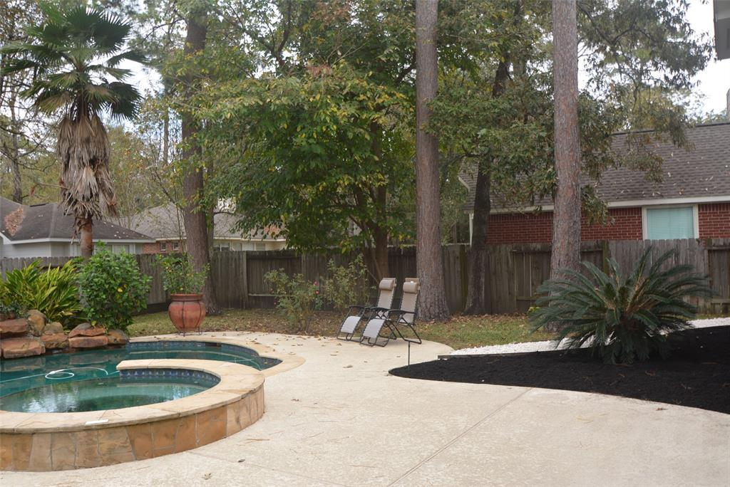 Active | 58 N Brooksedge  Circle The Woodlands, TX 77382 26