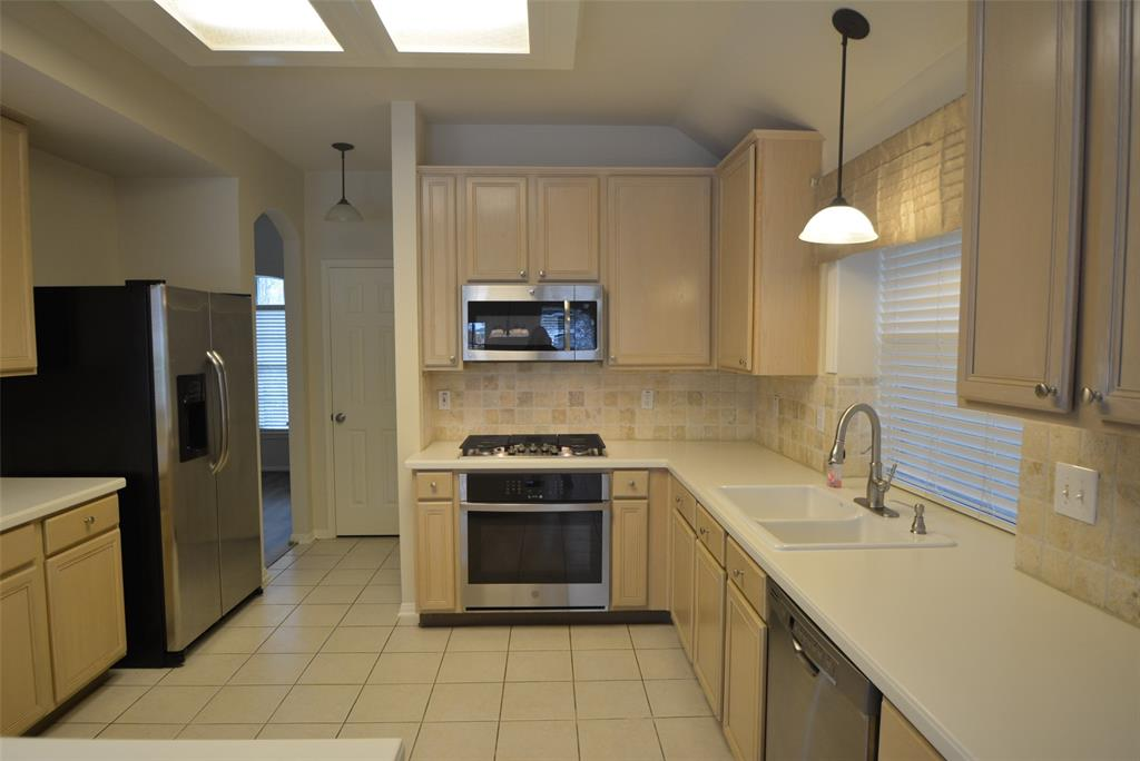 Active | 58 N Brooksedge  Circle The Woodlands, TX 77382 3