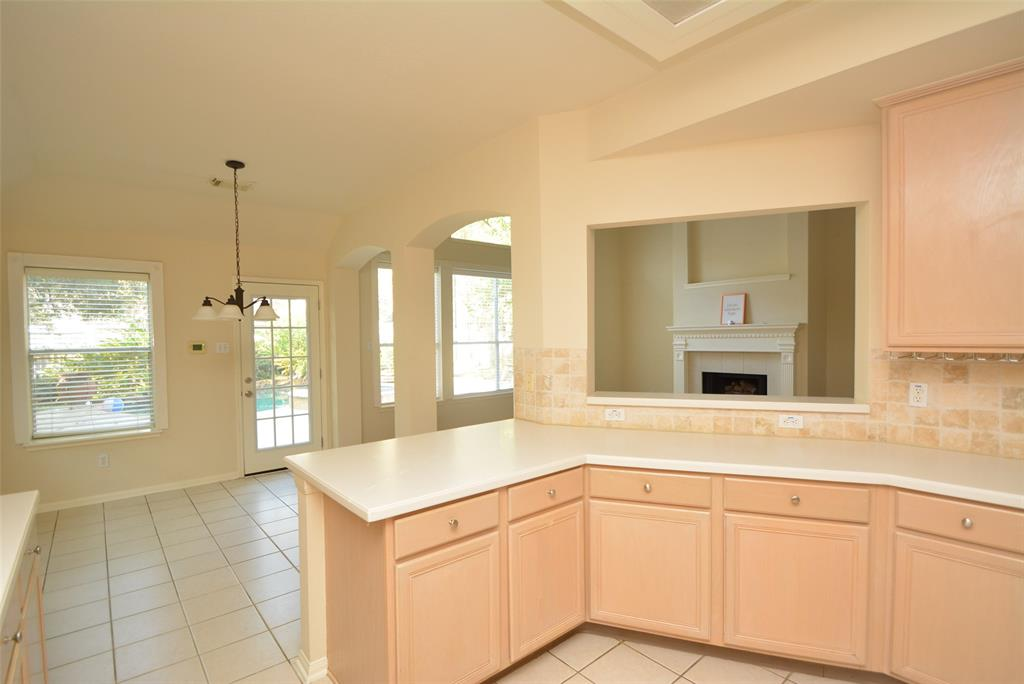 Active | 58 N Brooksedge  Circle The Woodlands, TX 77382 7