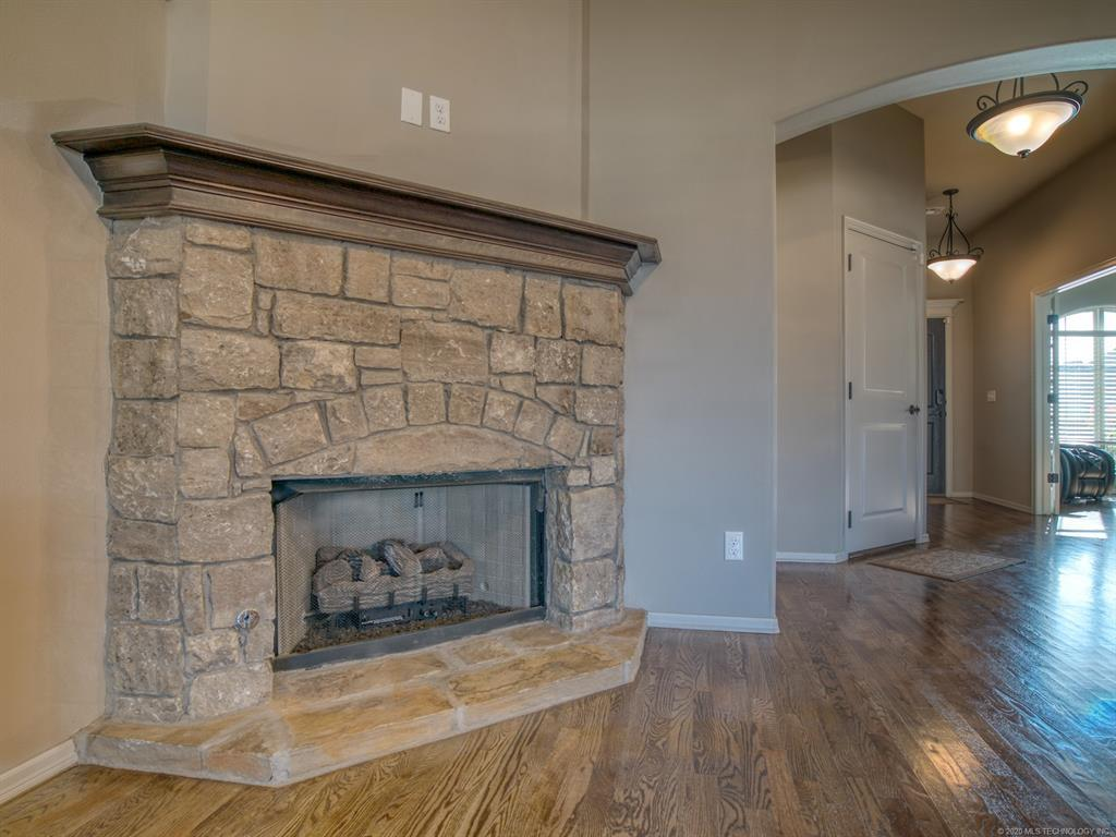 Active | 18421 E 49th Place Tulsa, OK 74134 6