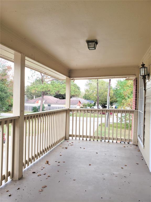 Pending | 1153 Lovett Street Tomball, Texas 77375 2
