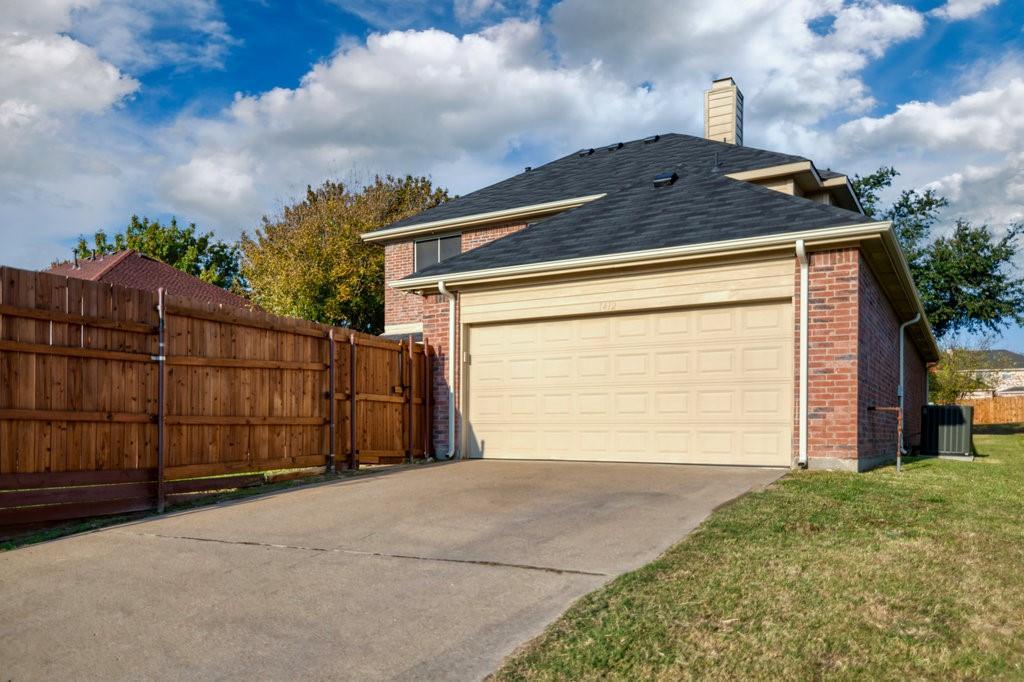 Active Option Contract | 1412 Bosher  Drive Cedar Hill, TX 75104 32