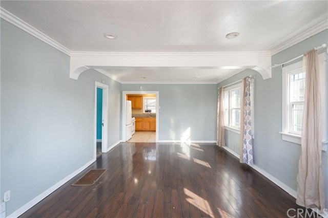 Pending | 1535 W 66th st Los Angeles, CA 90047 11