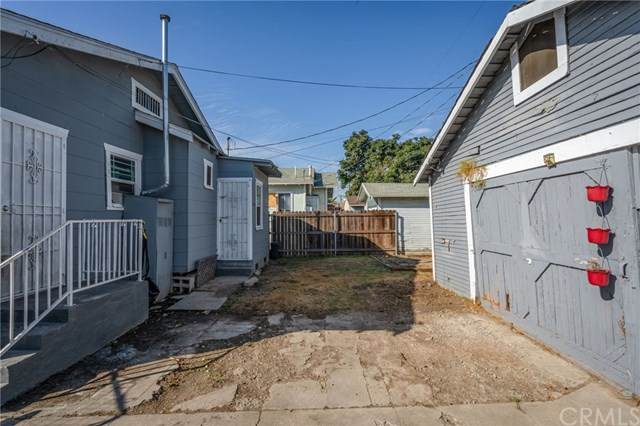 Pending | 1535 W 66th st Los Angeles, CA 90047 17
